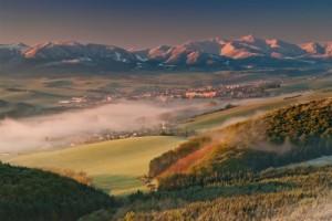 1. kategória : Ráno v Rajeckej doline, autorom je pán Viktor Kobrtek a do súťaže ju prihlásila MAS Rajecká dolina